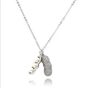 Exquisite peanut crystal pendant necklace